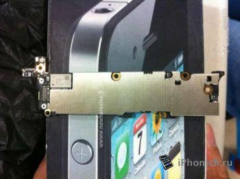 Фото материнской платы нового iPhone 5