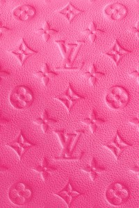 Pink-Louis-Vuitton-iphone-4s-wallpaper-ilikewallpaper_com