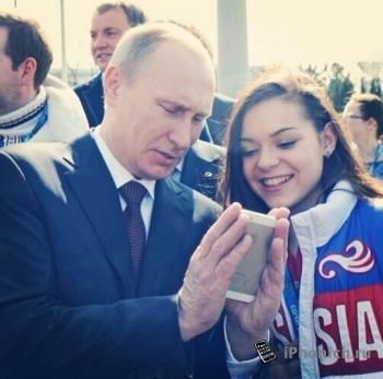 Президент России подарил iPhone 9-летнему беженцу из ДНР