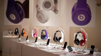 В магазинах Apple Store теперь можно слушать наушники перед покупкой