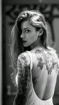 Beautiful-Girl-Tattooed-Back-iPhone-6-plus-wallpaper-ilikewallpaper_com