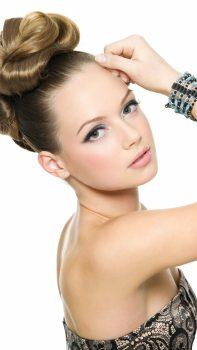 Blonde-Hair-Makeup-Face-Model-iPhone-6-plus-wallpaper-ilikewallpaper_com