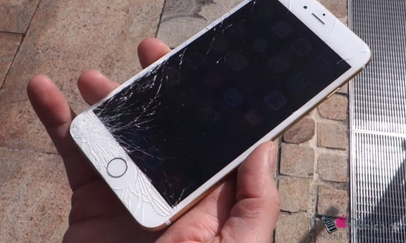 1443168821_iphone-6-crash-1